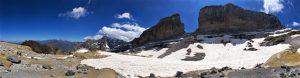 la brèche de roland est un lieu incontournable des Hautes-Pyrénées françaises et espagnoles cévéo blog vacances