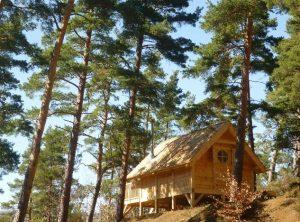 des cabanes de charme au Lac Chambon, en Auvergne
