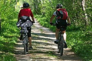 cyclistes vélodyssée cévéo
