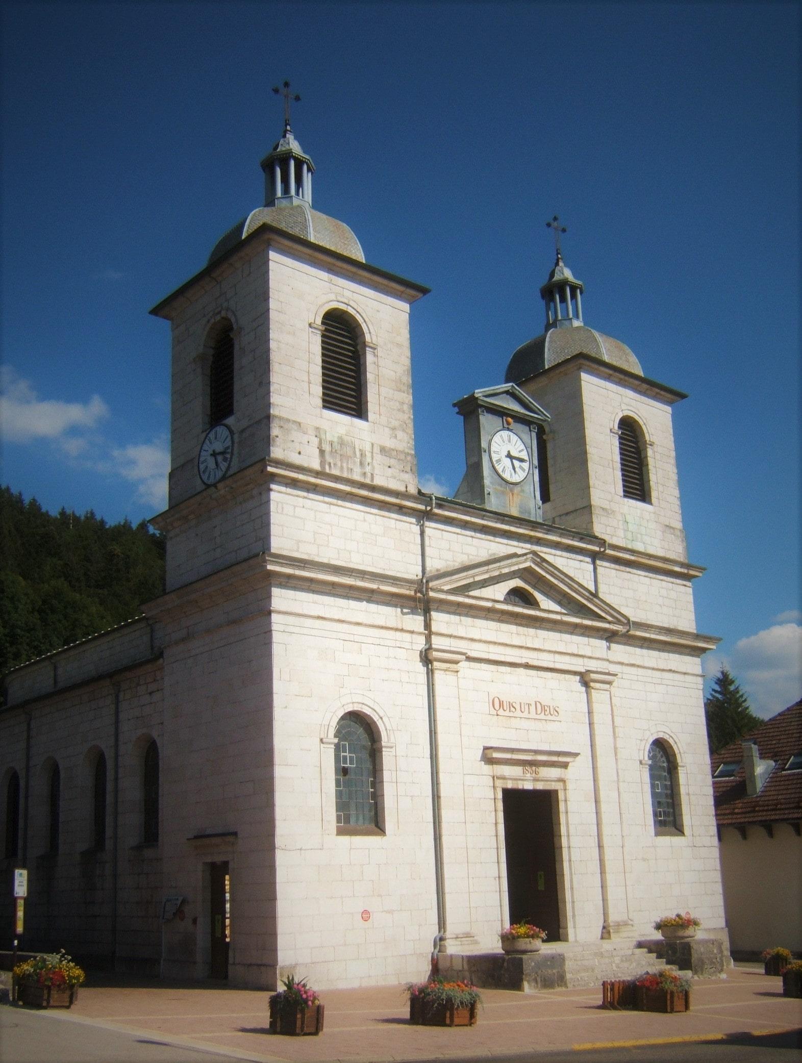 Eglise Saint-Michel de Morbier : elle abrite une véritable horloge comtoise de 8 m de haut