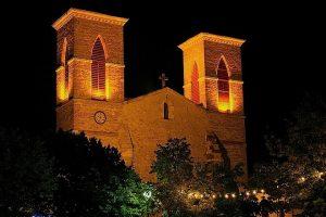 l'église, de nuit, à Grenade-Sur-l'Adour
