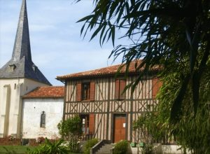 l'église du village de Lévignacq