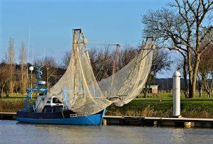 Le ''Mayflowers'' équipé de ses filets de pêche, port de Mortagne-sur-Gironde