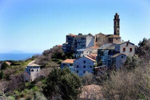 vue du village corse de Venzolasca, un des plus beaux villages de l'île